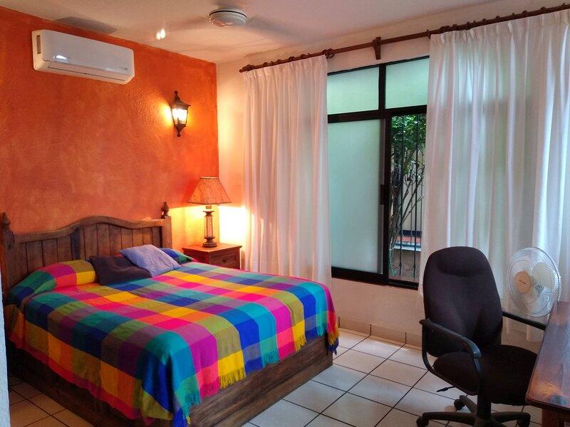 Huizache Apartment at El Tamarindo at Casa Calamdon La Ropa, aluguéis de temporada em Petatlan