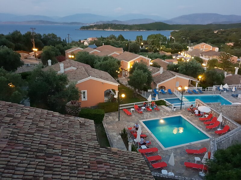 Village-style resort with 4 pools close to Kassiopi and the beach, holiday rental in Kassiopi