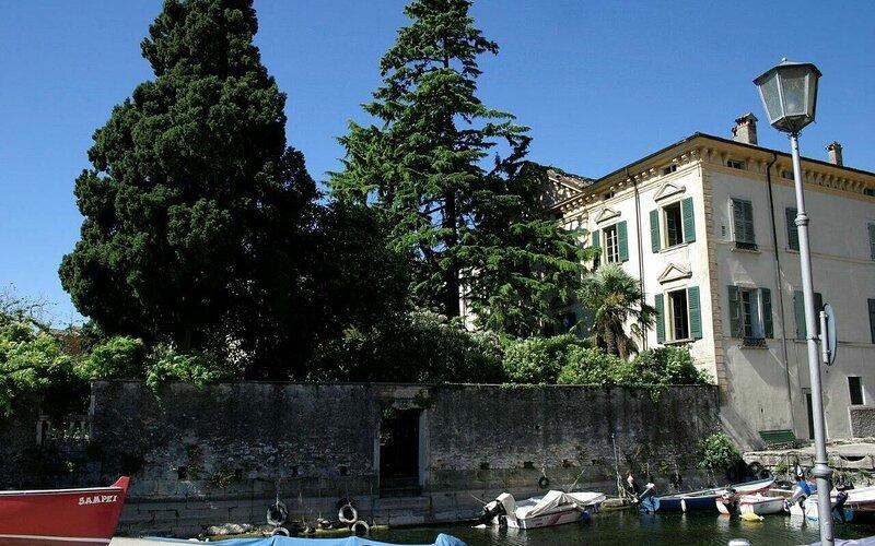Palazzo, casa vacanza a Maderno