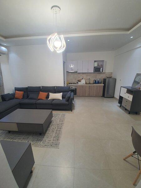 Appartement neuf de type F2 à 1mn de Point E, aluguéis de temporada em Região de Dakar