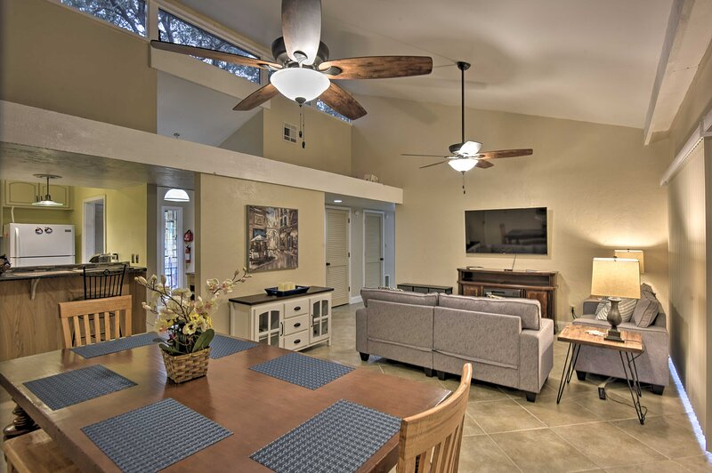 NEW! Haines City Condo with Patio, <1 Mi to Golf, holiday rental in Lake Hamilton