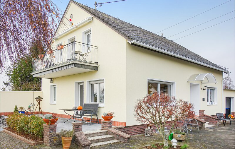 Awesome home in Müllenbach with WiFi and 3 Bedrooms (DEI182), holiday rental in Kottenborn