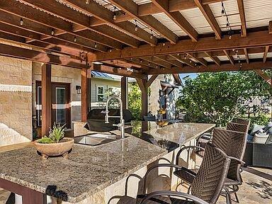New! Huge Luxury Home on 13 Acre's w/Views&Firepit, location de vacances à Doss