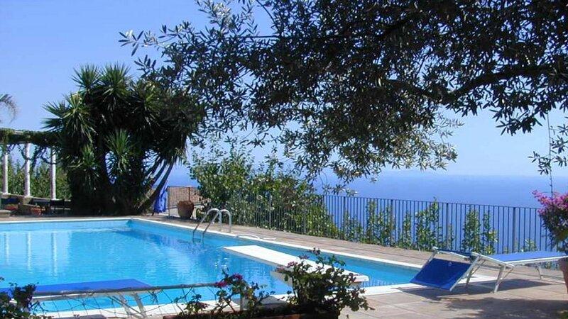 Luxury villa Calle, holiday rental in Scala