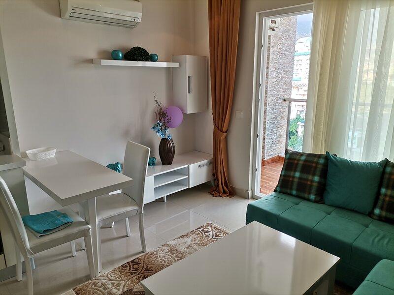 Cozy Studio in Mahmutlar, Alanya close to sea, casa vacanza a Kargicak