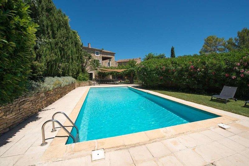 Martignargues Holiday Home Sleeps 22 with Pool Air Con and WiFi - 5878998, location de vacances à Vèzenobres