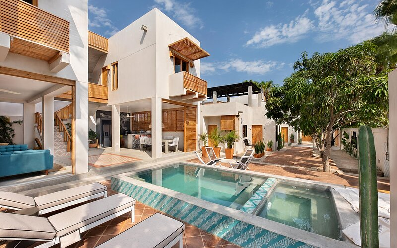 Avenida Baja: 5 extended stay residences with a lounge, pool, & workspace!, holiday rental in Todos Santos
