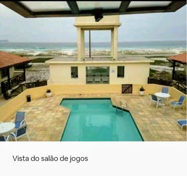 Casa na areia da praia em condomínio fechado, Ferienwohnung in Cabo Frio