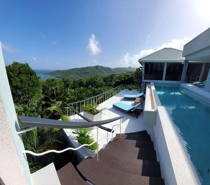 Lux Villa w/pool & Stunning Panoramic Ocean Views!, holiday rental in Bequia