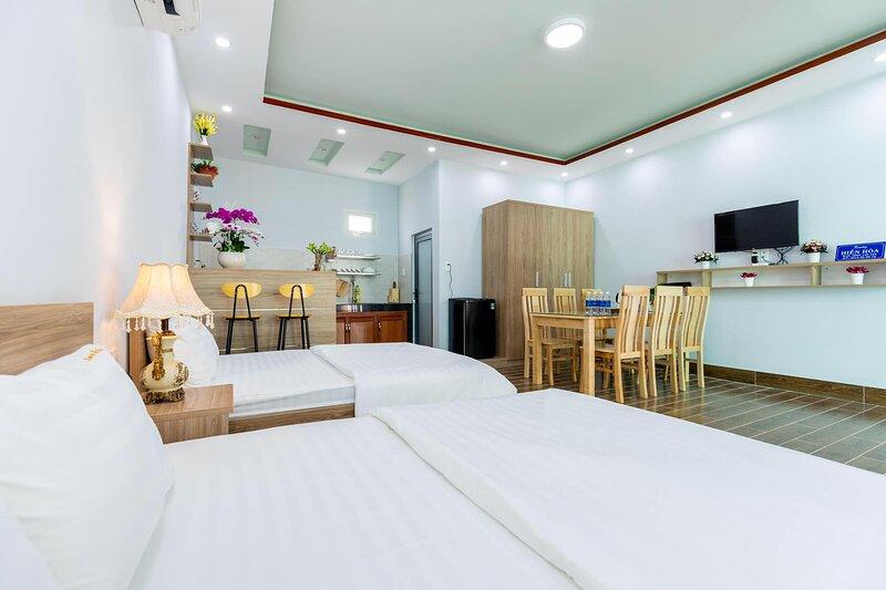 Homestay Hiền Hòa - 2 giường, 3 giường - Vị trí gần biển 1 phút đi bộ, location de vacances à Phuoc Hai