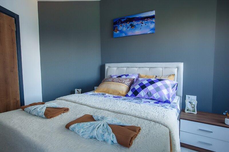 Charming 1-Bed Apartment in Mahmutlar, casa vacanza a Kargicak