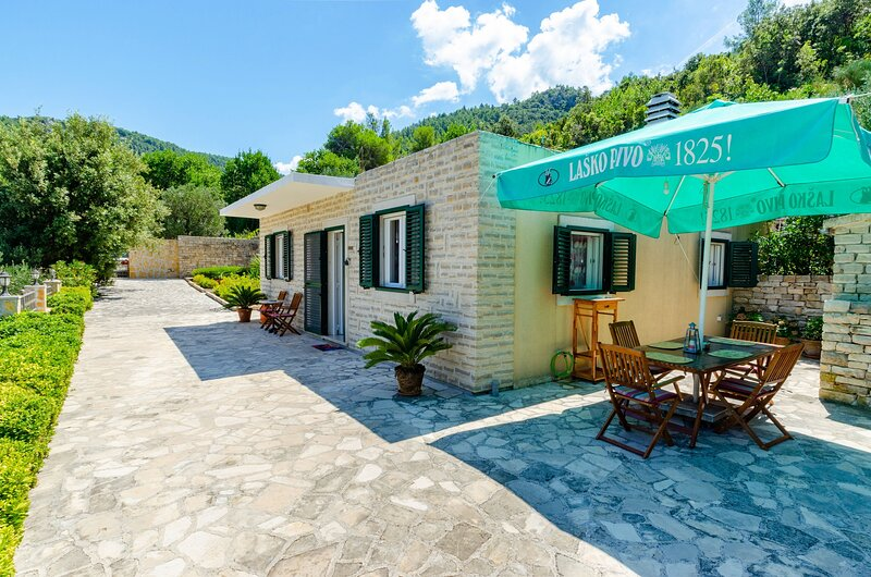 Vacation House Marija -Two Bedroom Holiday Home with Terrace and Sea View, alquiler vacacional en Cara