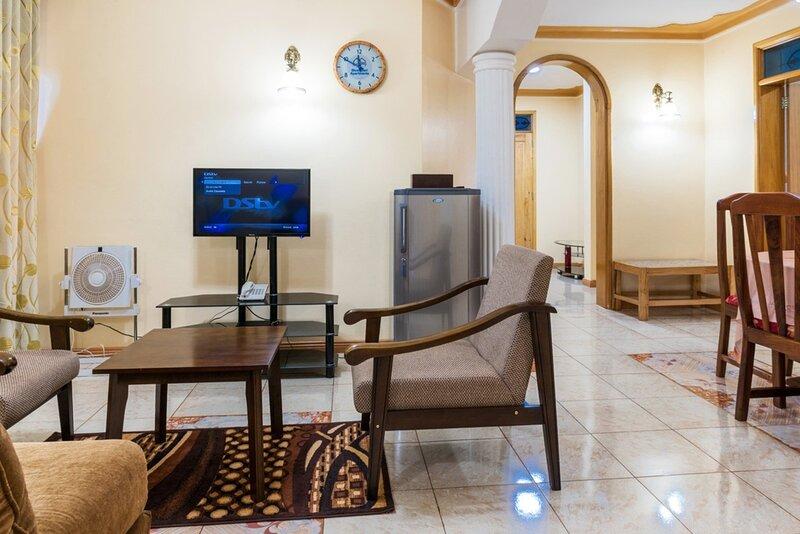 High standard apartment in secure Resort - 46 People, alquiler vacacional en Munyonyo