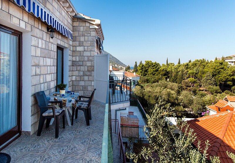 Apartments Doris - Trpanj-Standard Two Bedroom Apartment with Balcony, casa vacanza a Oskorusno