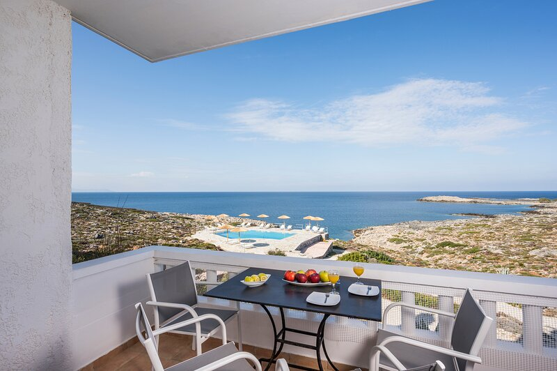 Kiani Seafront Apartment, Only 5' to Stavros Beach!, alquiler vacacional en Stavros