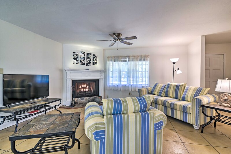 NEW! Pet-Friendly Brooksville Cottage w/ Fire Pit!, holiday rental in Trilby
