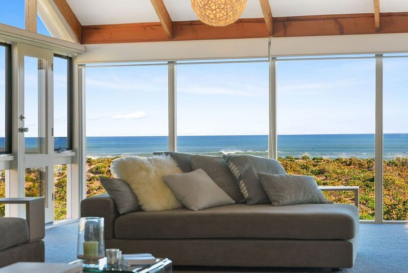 'Glass House at Ocean Bay'  - Middleton + WiFi, holiday rental in Middleton