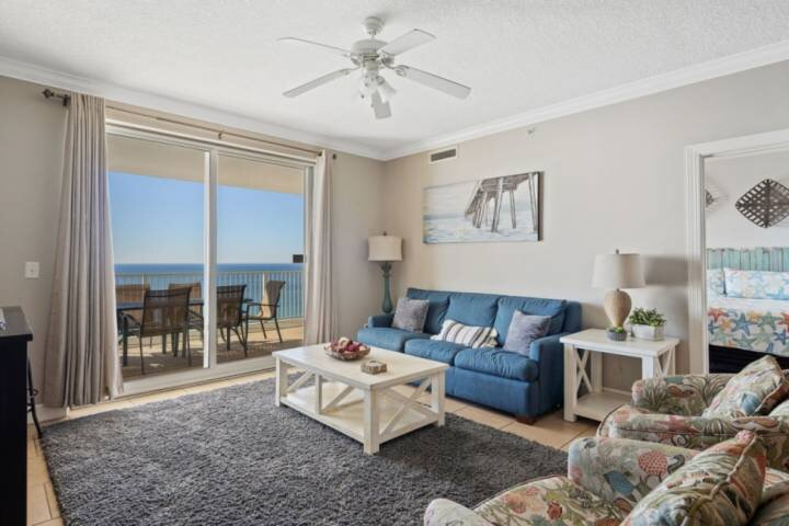 Two Gulf Front Masters! Huge Corner Unit! Wifi included! Free Tickets to Gulf Wo, holiday rental in Panama City Beach