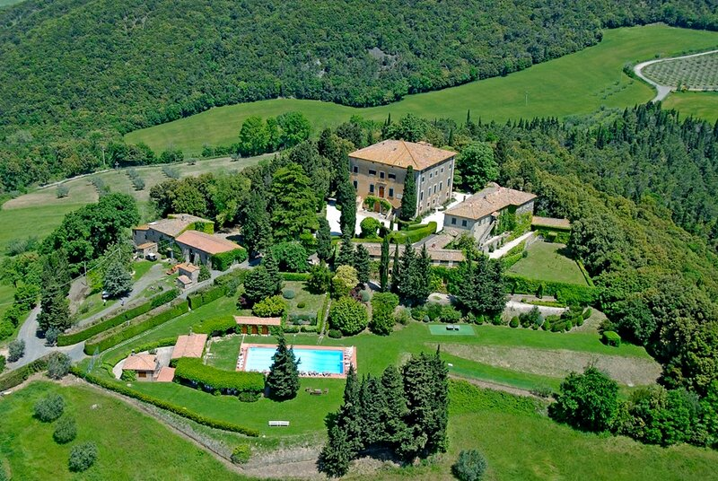 STAGGERING 17TH CENTURY VILLA IN ULIGANO-A PERFECT BASE TO EXPLORE TUSCANY, vakantiewoning in Ulignano