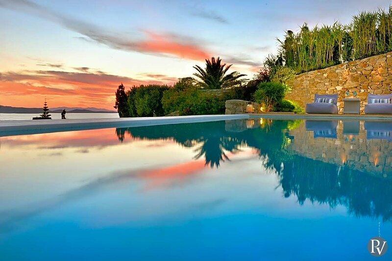 Costa Ilios Villa Sleeps 12 with Pool and Air Con - 5879036, location de vacances à Agios Ioannis