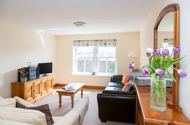 Howgills Apartments - Apartment 12 (sleeping up to 4 guests in total), vacation rental in Middleton