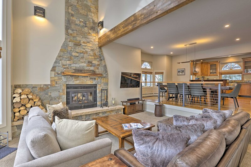 Townhome ~ 4 Mi to Beaver Creek & ~ 8 Mi to Vail!, vacation rental in Eagle-Vail