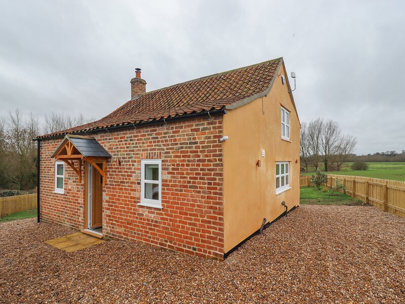 Shepherd's Cottage, Alford, holiday rental in Raithby