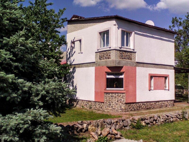 Часть дома 2 этажа с отдельным входом, casa vacanza a Poltava