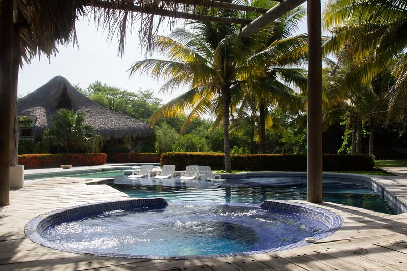 Chalet de lujo con piscina,Panoramic Monterrico Playa, vacation rental in Santa Rosa Department
