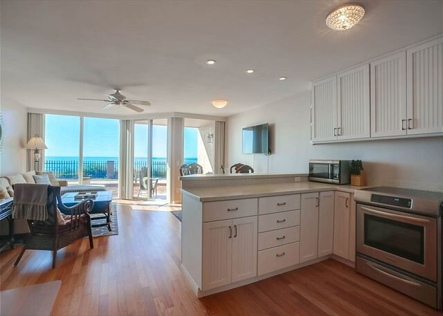 Gorgeous Ocean View - Remodeled, Ocean Front, Beach Access, Pool, vakantiewoning in Solana Beach