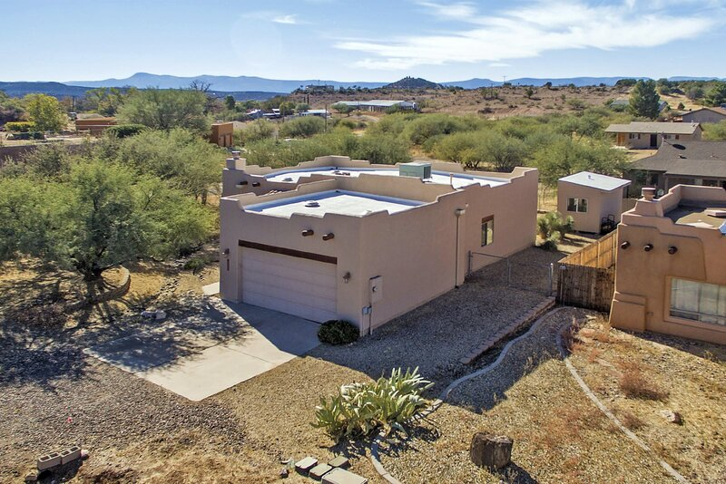Just Listed! Beautiful Sante Fe Style Home! Located in Rimrock, AZ! - Laura Ln S, vacation rental in Rimrock