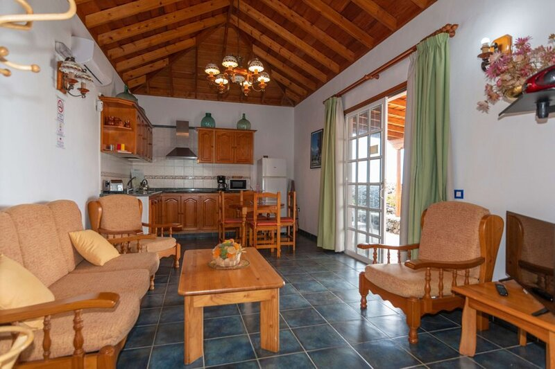 House - 2 Bedrooms - 108206, holiday rental in Todoque