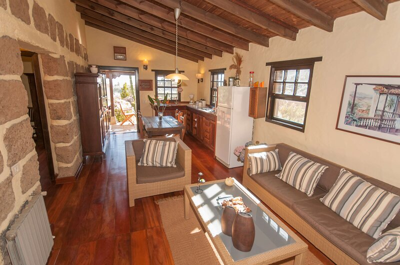 House - 2 Bedrooms - 106814, holiday rental in Pino Santo Alto
