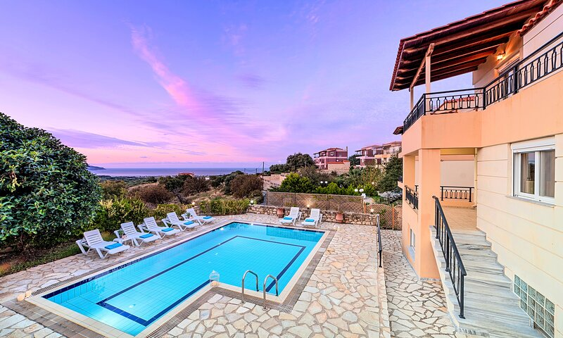 Mare Blue Villas | 2 Private Heated Pools, holiday rental in Kastellos