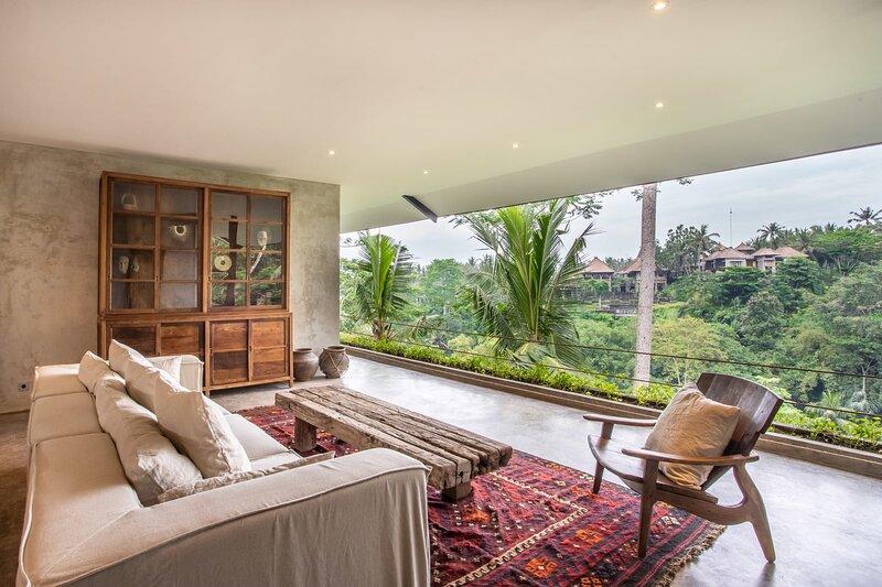 NEW Exceptional 2 Br suites in Ubud Hidden Gem, holiday rental in Bedulu