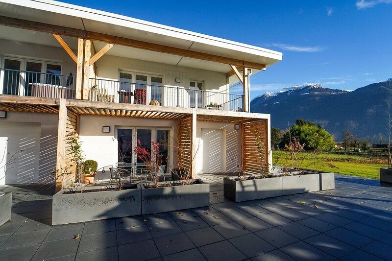 Appartement pour 4 personnes avec tennis de copropriété, holiday rental in Lathuile