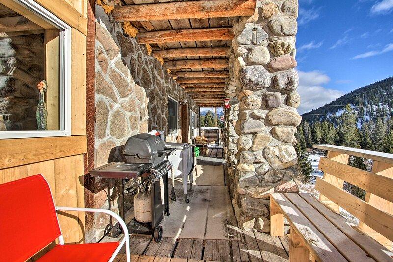 'Sasquatch Inn' Retreat Near Fishing & Hunting!, holiday rental in Wise River