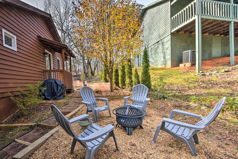 Outdoor Seating   Firewood Provided