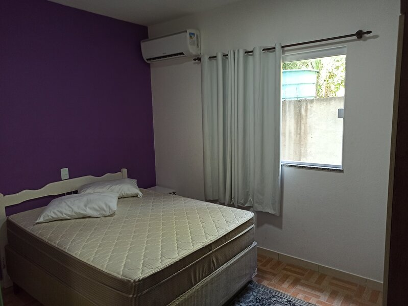 Apto 10 -  Praia de Bombas - Bombinhas - 2 quartos, holiday rental in Bombinhas