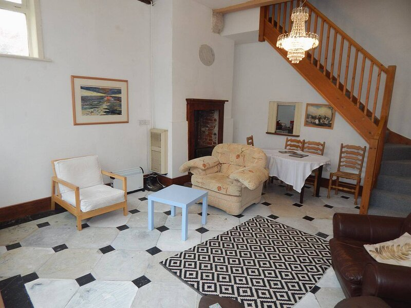 Character 4-Bed House in Harwich, vacation rental in Walton-on-the-Naze