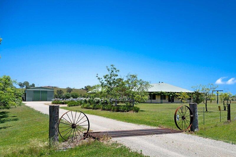 Hunter Valley Accommodation - Black Creek Paddock - Lovedale - all