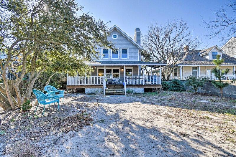 NEW! Classic Chesapeake Beachside Cottage w/ Porch, alquiler de vacaciones en Portsmouth