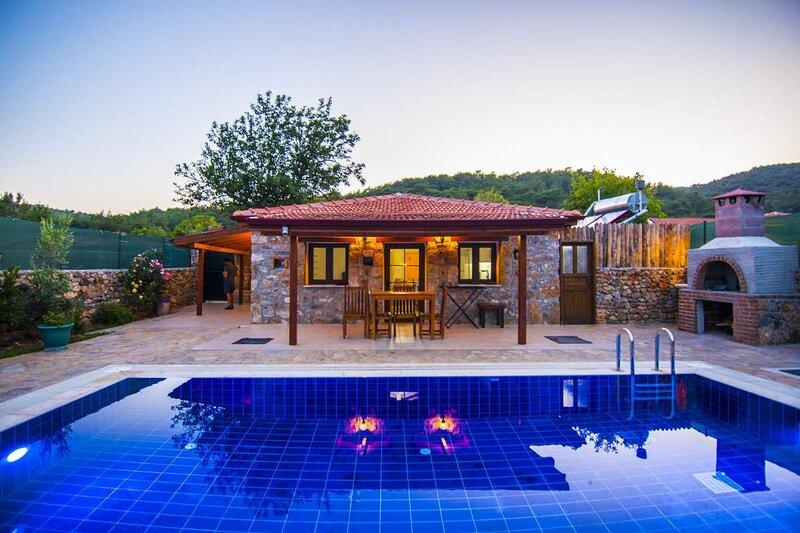 Privet Hidden Pool Holiday Villa Stone House – semesterbostad i Kayakoy