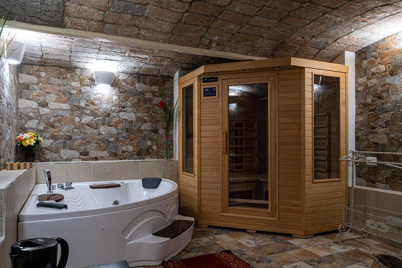 Gold Maison, Villa con Spa privata, vacation rental in Chiesuol del Fosso