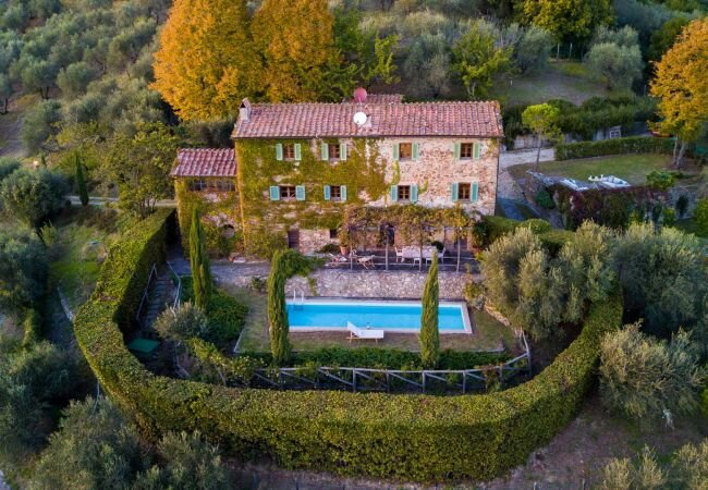 Matraia Villa Sleeps 8 with Pool Air Con and WiFi - 5879127 – semesterbostad i Valgiano