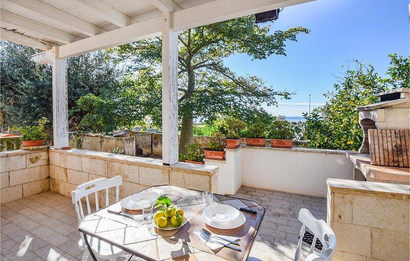 Awesome home in Ragusa with 3 Bedrooms (ISR348), holiday rental in Camemi