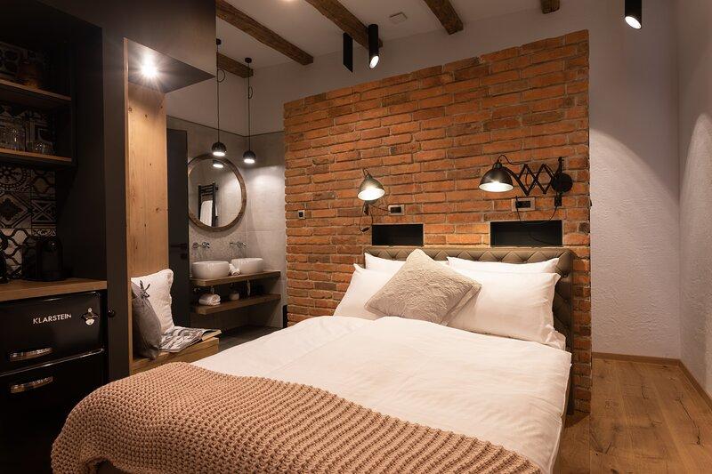 Unique room Entry #1 at Gentry11 Rooms&More, alquiler de vacaciones en Maribor