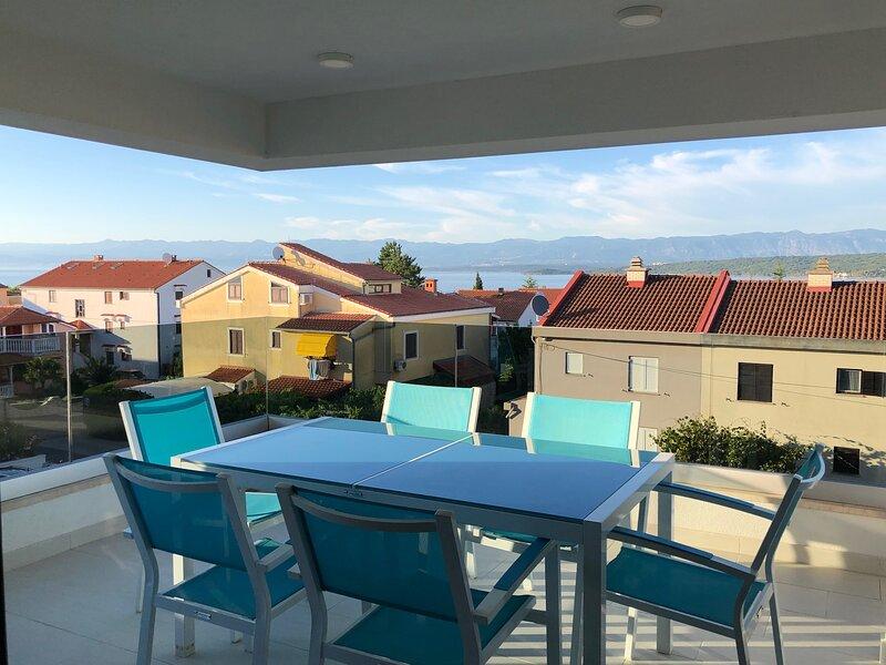Luxury Appartement Luna Sea View, casa vacanza a Vantacici