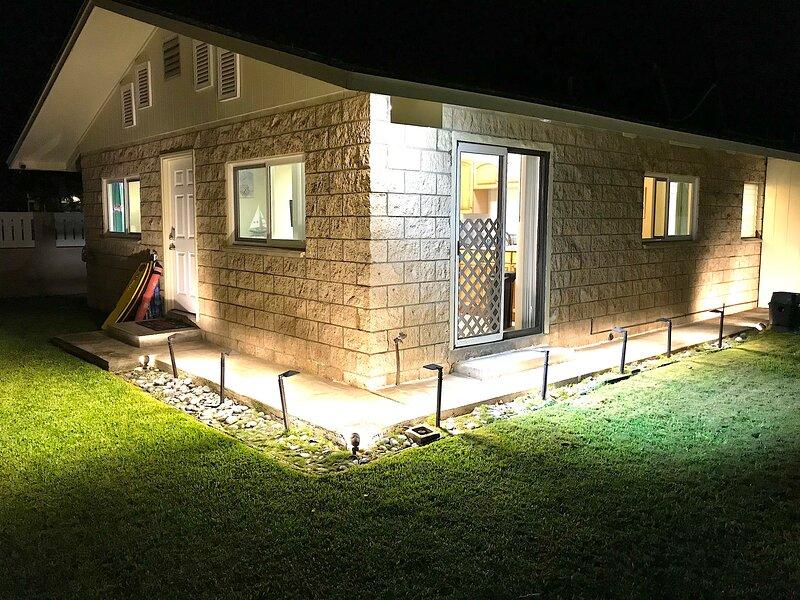 Kailua, Cozy, 2 bedroom, duplex home, carport, yard, BBQ, alquiler de vacaciones en Kailua