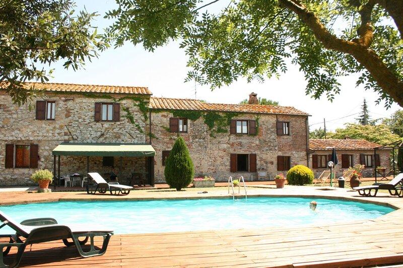 I Cuffi-Marchetti Villa Sleeps 20 with Pool - 5879132, location de vacances à Castiglione del Lago
